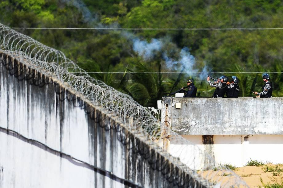 Penitenciária Estadual de Alcaçuz, em Nísia Floresta (RN), após batalha campal de presos nesta quinta-feira (19
