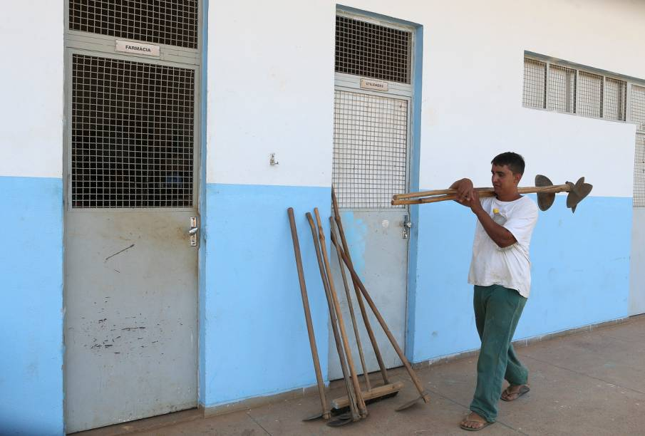 Muitos detentos do semiaberto trabalham na hora do presídio - Foto: Sérgio Dutti