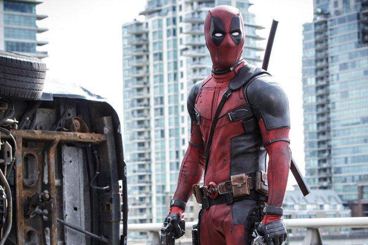 """Ryan Reynolds interpreta o personagem """"fora da curva"""" Deadpool (VEJA.com/Divulgação)"""