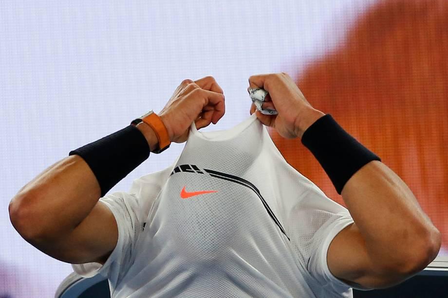 O espanhol Rafael Nadal durante partida contra o canadense Milos Raonic, em Melbourne