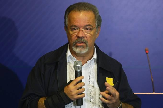 O ministro da Defesa, Raul Jungamann