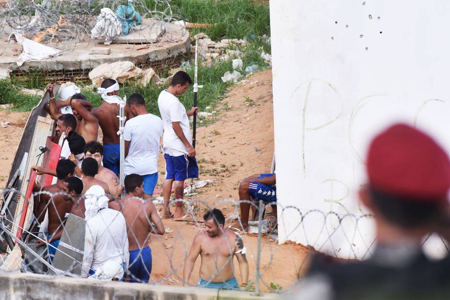 Presos fazem rebelião na Penitenciária Estadual de Alcaçuz, em Natal (RN) - 16/01/2017