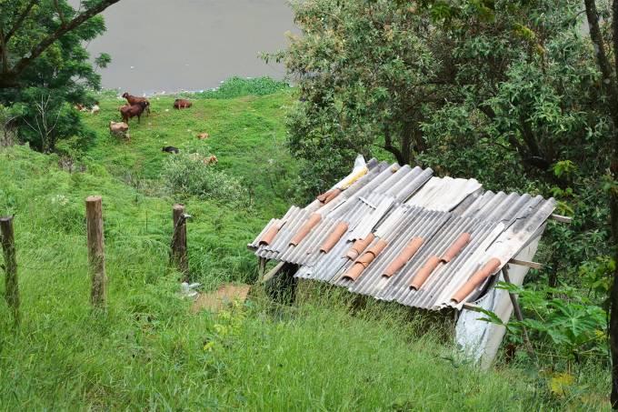 Barraco onde mora Jonatan Gomes Higino, acusado de esfaquear o pastor Valdomiro Santiago