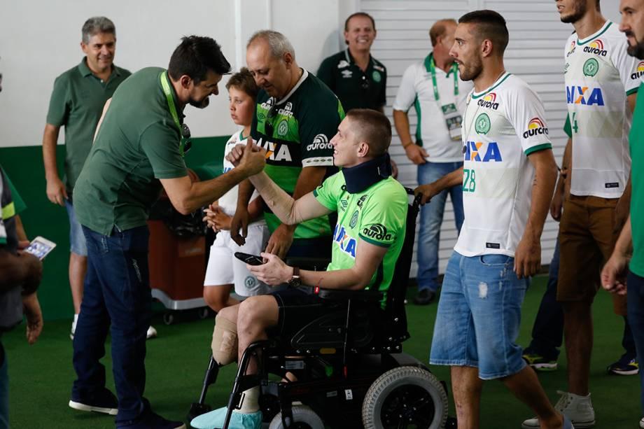 Jackson Follmann, um dos sobreviventes na tragédia em Medellin, chega na Arena Condá para o amistoso entre Chapecoense e Palmeiras