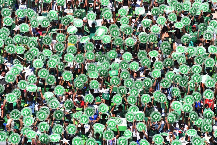 Torcida da Chapecoense durante amistoso contra o Palmeiras, na Arena Condá em Chapecó