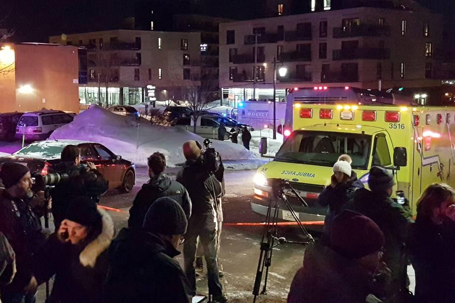 Seis pessoas morreram e outras oito ficaram feridas durante um tiroteio em uma mesquita de Quebec, no Canadá - 30/01/2017