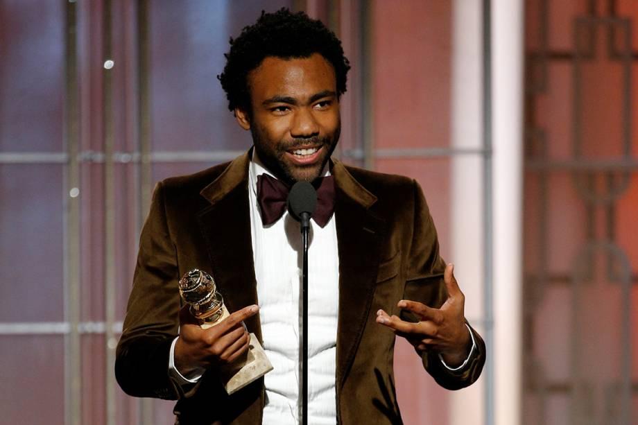 O ator Donald Glover recebe o Globo de Ouro de prêmio de melhor ator em série de comédia por 'Atlanta'