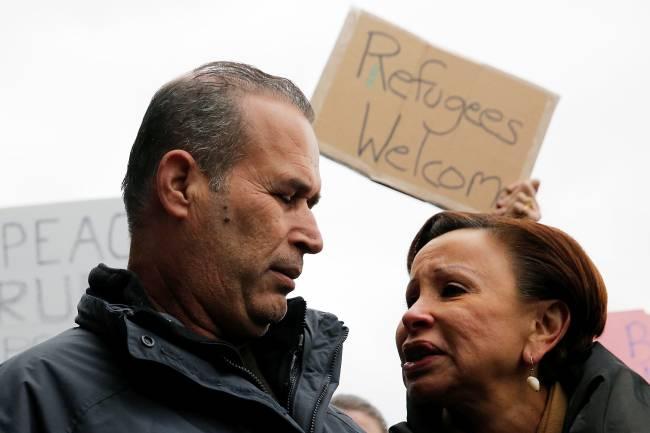 Bloqueio de Trump à imigração - Protesto - Aeroporto