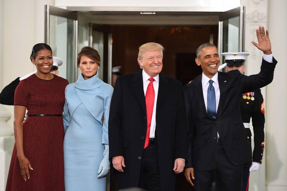 Donald Trump, Barack Obama, Michelle Obama e Melania Trump posam em encontro na Casa Branca antes da cerimônia de posse de Trump - 20/01/2017