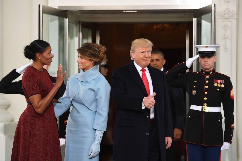 Donald Trump, Michelle Obama e Melania Trump posam em encontro na Casa Branca antes da cerimônia de posse de Trump - 20/01/2017