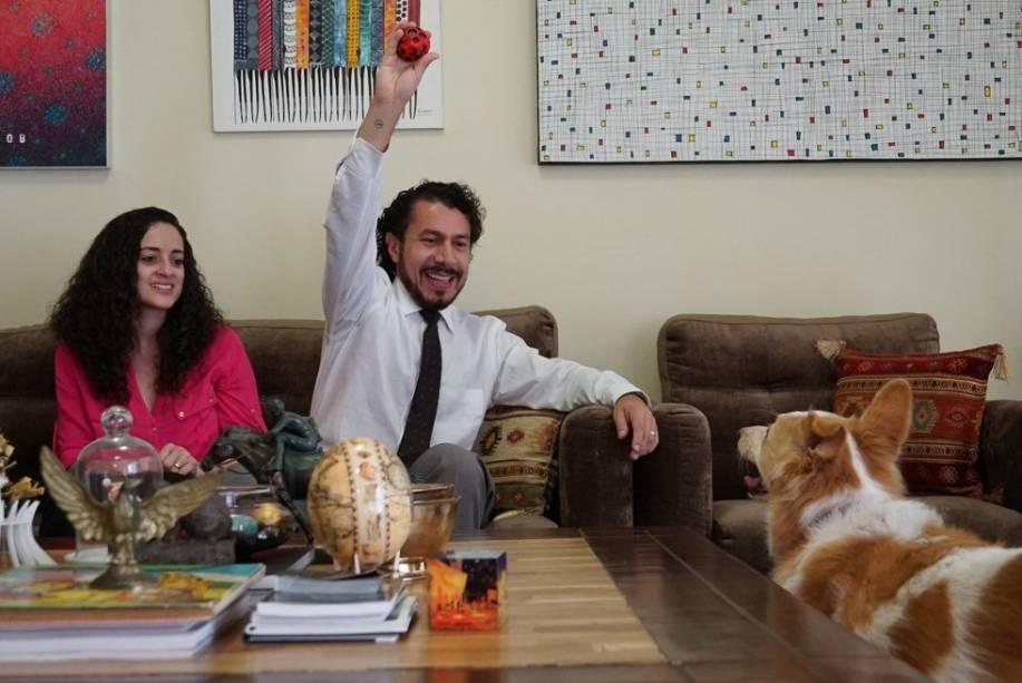 Rômulo, participante do 'BBB17', com a esposa