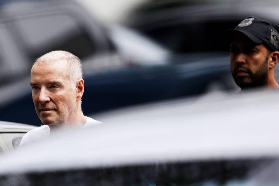 Eike Batista chega à sede da Polícia Federal no Rio para prestar depoimento