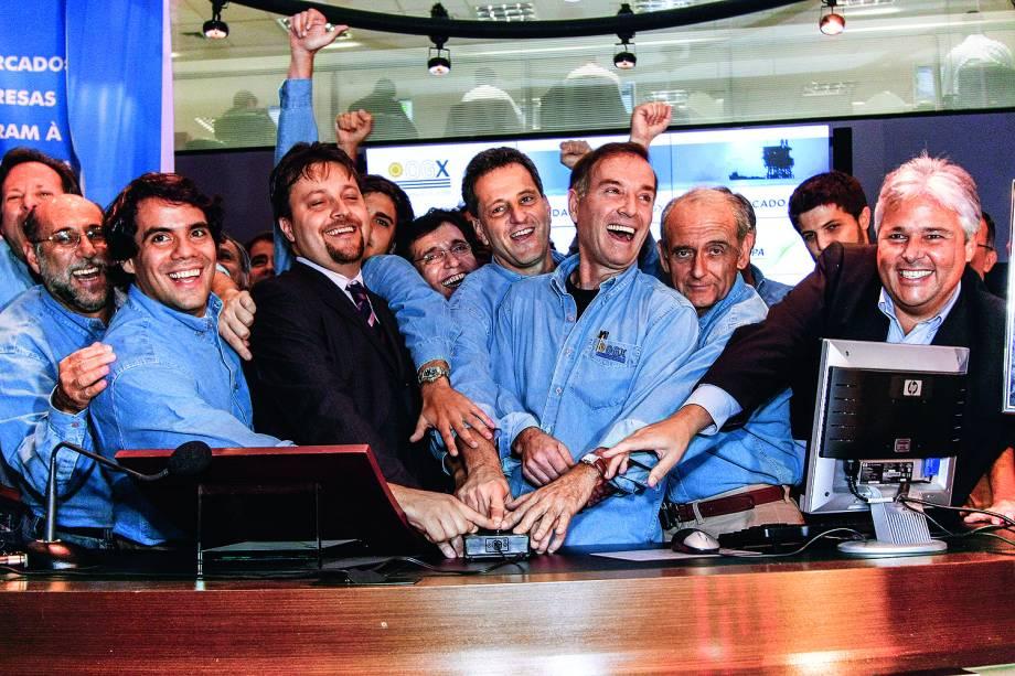 Eike Batista com sócios da petrolífera OGX, durante a oferta pública inicial de ações na Bovespa -  13 / 6 / 2008