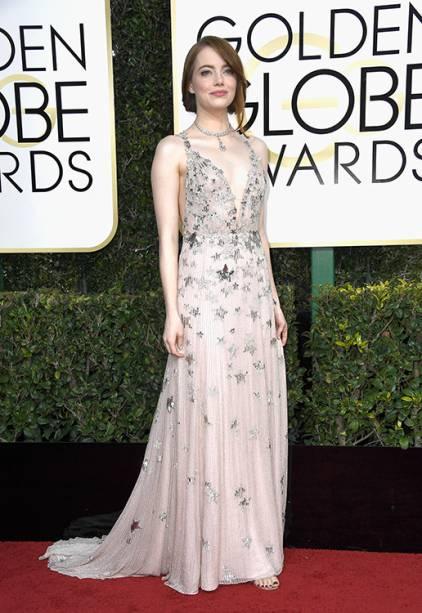 A atriz Emma Stone chega para o Globo de Ouro 2017, em Los Angeles