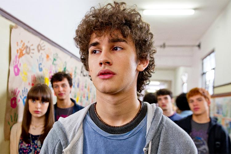 Christian (Filipe Bragança), em cena do filme 'Eu Fico Loko', que conta a trajetória do youtuber Christian Figueiredo