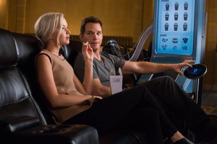 Jim Preston (Chris Pratt) e Aurora (Jennifer Lawrence) no filme Passengers