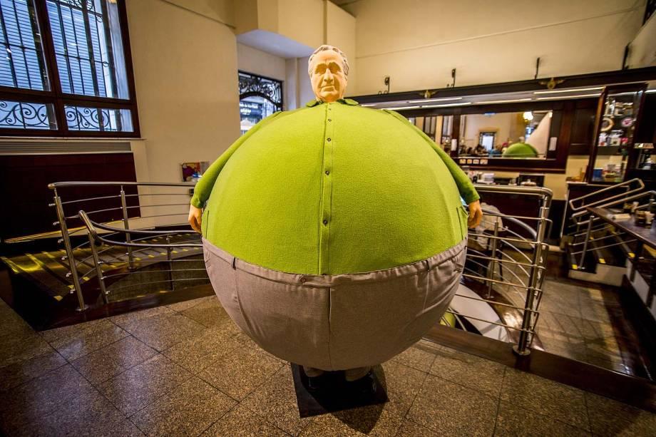 """Exposição """"Erwin Wurm – O corpo é a casa"""" no Centro Cultural Banco do Brasil, em São Paulo"""