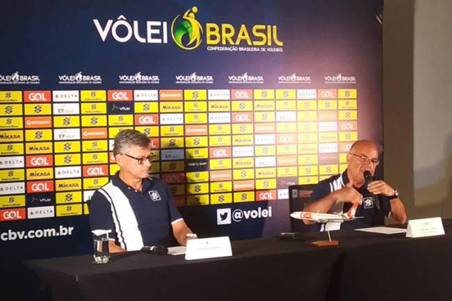 Bernardinho deixa o comando da seleção masculina de vôlei após 16 anos. Renan Dal Zotto é o substituto