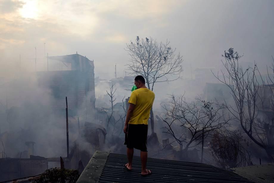Incêndio destruiu centenas de casas e deixou milhares desabrigados em favela em Manila, nas Filipinas - 30/01/2017