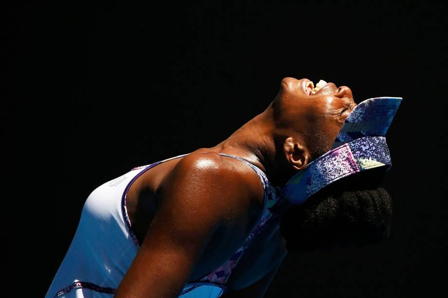 A americana Venus Williams vence a russa Anastasia Pavlyuchenkova, 25, e avança para as semifinais do Aberto da Austrália - 24/01/2017