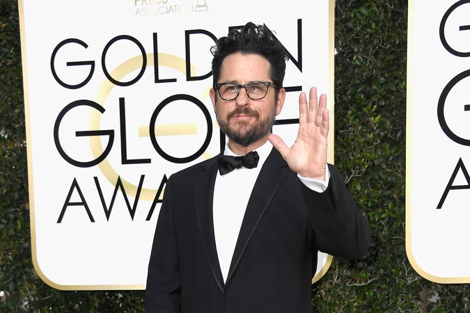 O diretor J.J. Abrams chega para o Globo de Ouro 2017, em Los Angeles