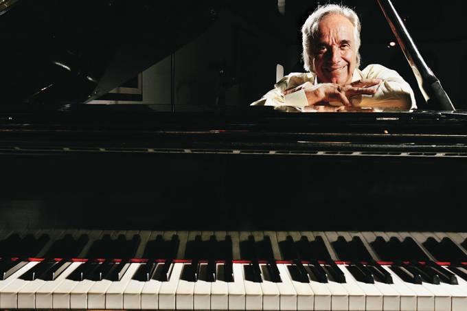 O maestro e pianista João Carlos Martins, em 2006