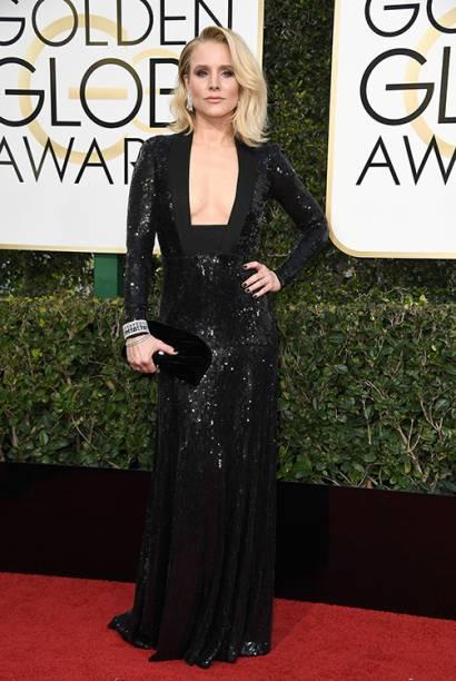 A atriz Kristen Bell chega para o Globo de Ouro 2017, em Los Angeles