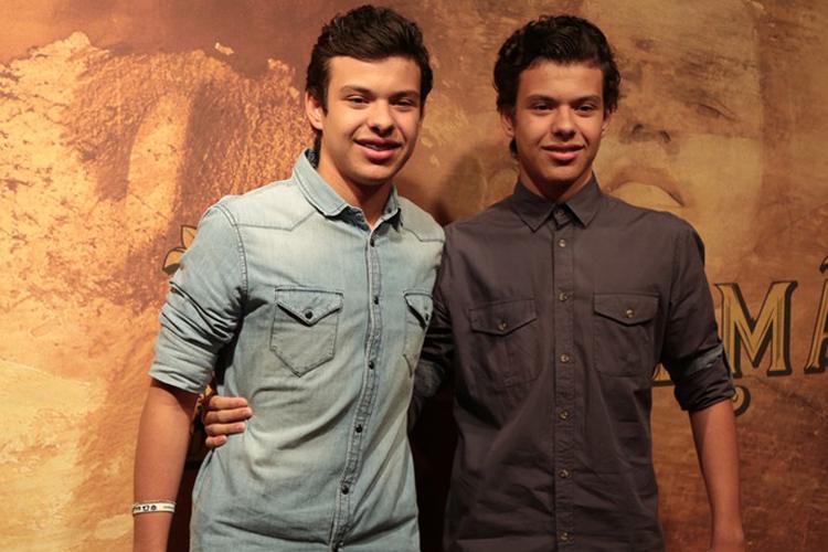 Lorenzo e Enrico Rocha dão vida a Yaqub e Omar, respectivamente