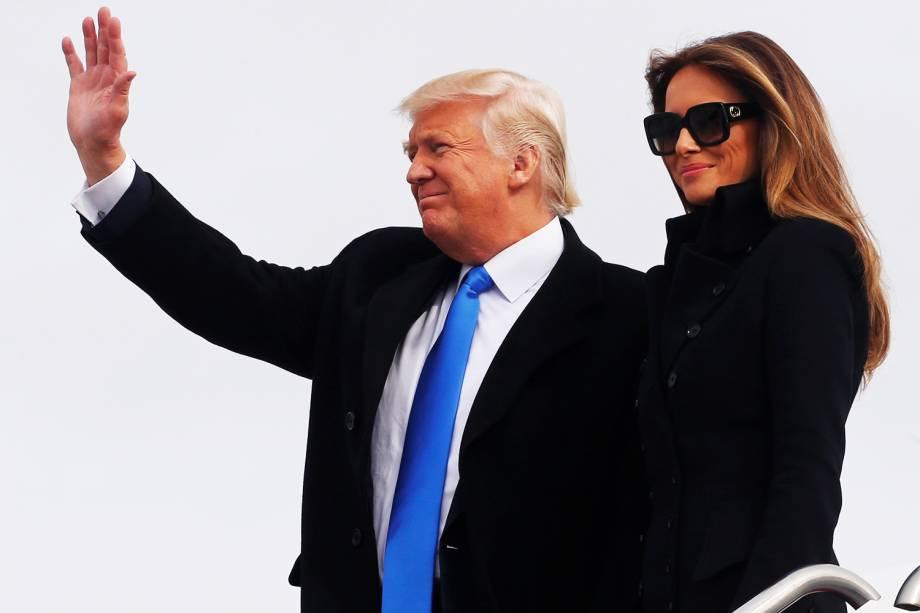 O presidente eleito dos Estados Unidos, Donald Trump, e sua esposa Melania Trump, chega em Maryland - 19/01/2017