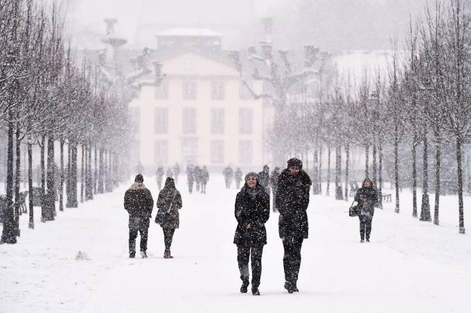 Fortes nevascas na Europa