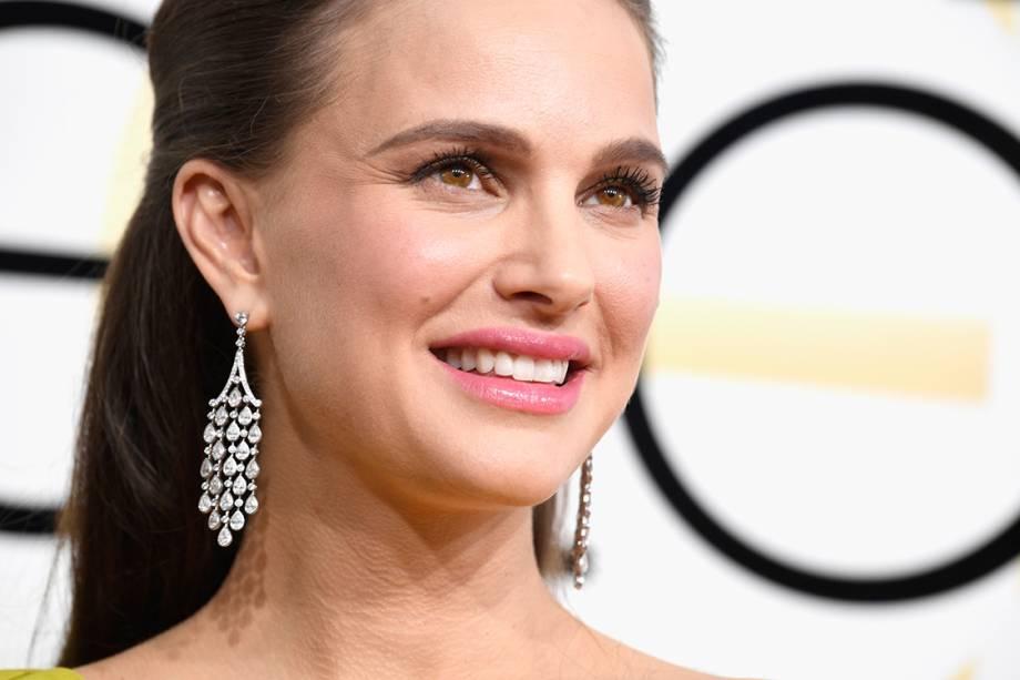 A atriz Natalie Portman chega para o Globo de Ouro 2017, em Los Angeles