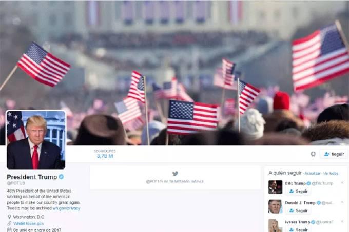 Presidente Donald Trump usa foto de posse de Barack Obama de 2009, em seu perfil no Twitter