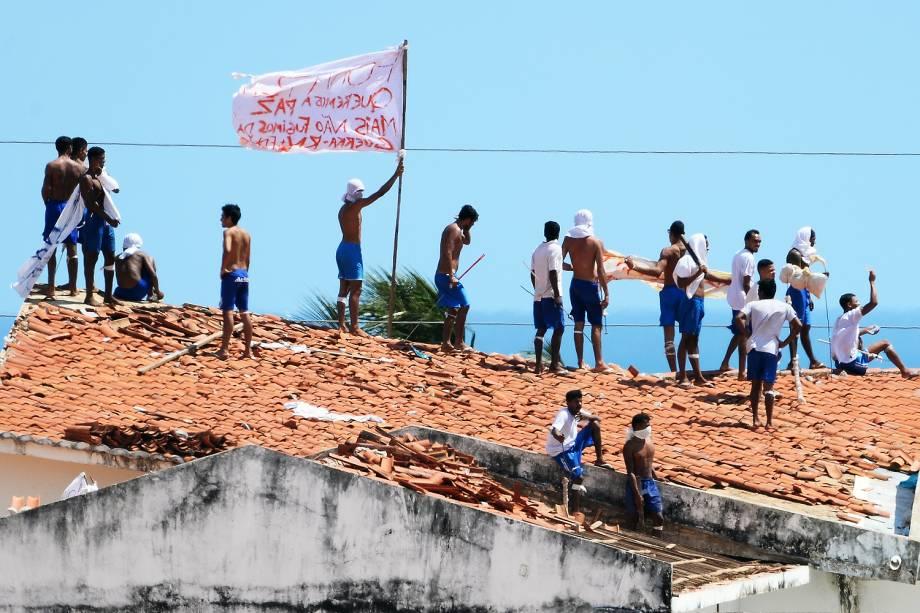 Após massacre em Alcaçuz, presídio do RN tem nova rebelião. Segundo a Secretaria de Justiça e Cidadania (Sejuc), os presos tentaram derrubar uma parede de concreto para acessar uma área de isolamento - 16/01/2016