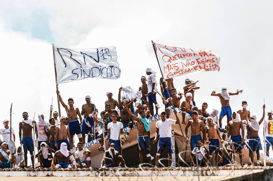 Presos rebelados Penitenciária Estadual de Alcaçuz, no Rio Grande do Norte - 16/01/2017