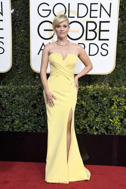 A atriz Reese Witherspoon chega para o Globo de Ouro 2017, em Los Angeles