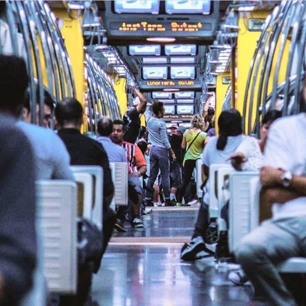 Metrô da linha 4 amarela