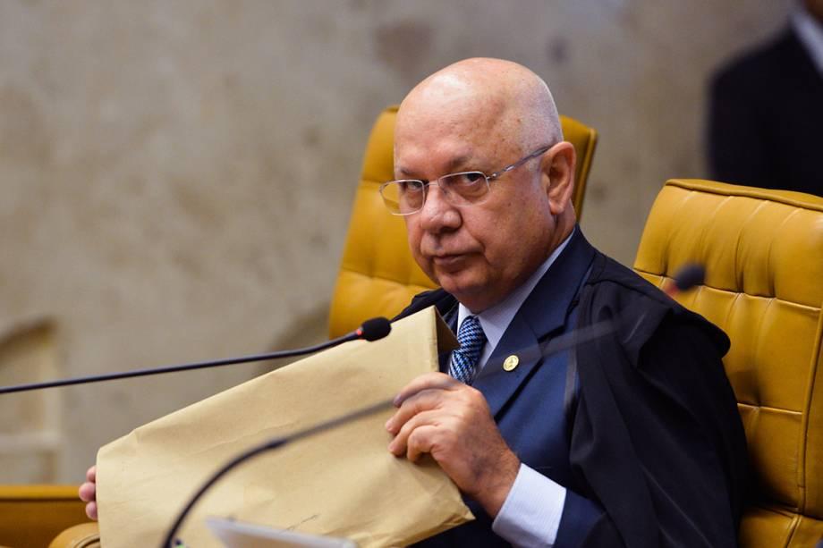 O ministro do STF Teori Zavascki, na sessão de julgamento sobre a aceitação da denúncia apresentada pela PGR contra o então presidente da Câmara, Eduardo Cunha - 03/03/2016