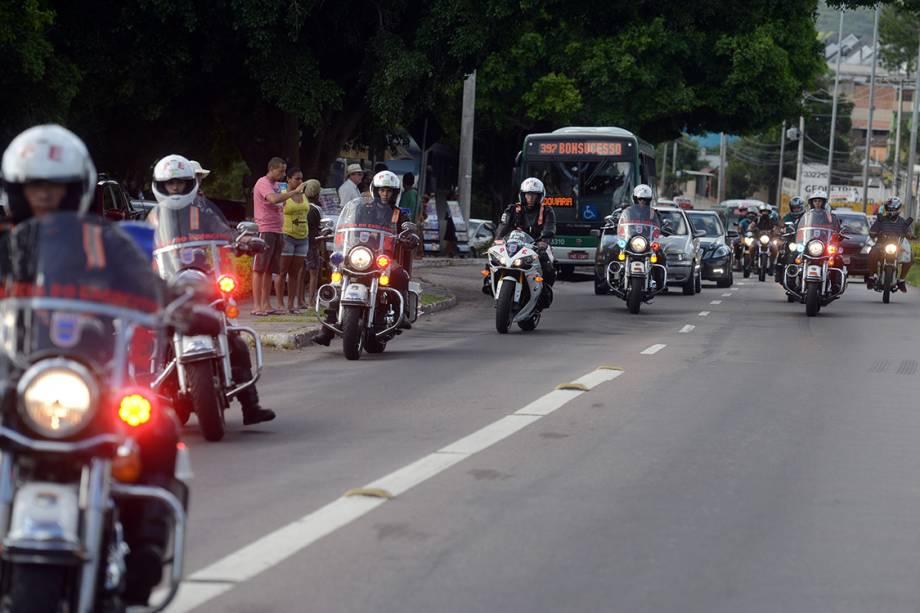 Corpo do ministro do STF Teori Zavascki, é levado para o Cemitério Jardim da Paz, em Porto Alegre