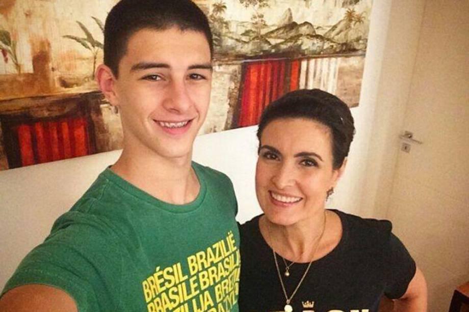 Fátima Bernardes e o filho Vinícius