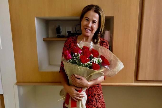 Zilu Camargo recebe alta e deixa o hospital Sírio-Libanês, em São Paulo