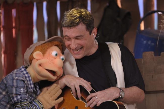Hélio Ziskind durante gravação de DVD do Cocoricó