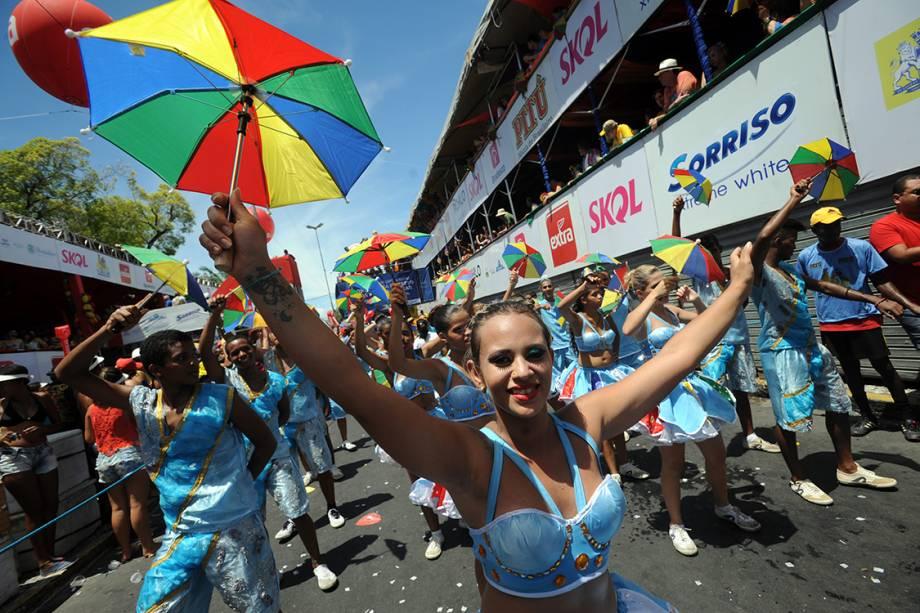 """Desfile do bloquinho """"Galo da Madrugada"""" anima o carnaval de Recife, Pernambuco"""
