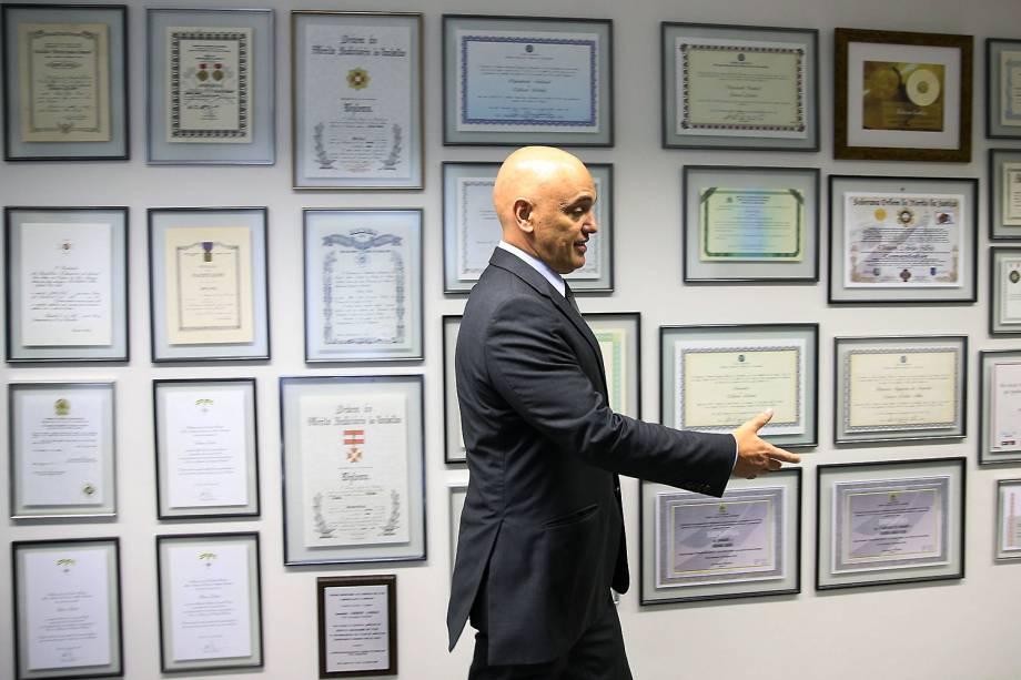 Indicado a vaga no STF e licenciado no cargo de ministro da Justiça, Alexandre de Moraes visita o senador Edison Lobão em seu gabinete em Brasília, DF - 09/02/2017
