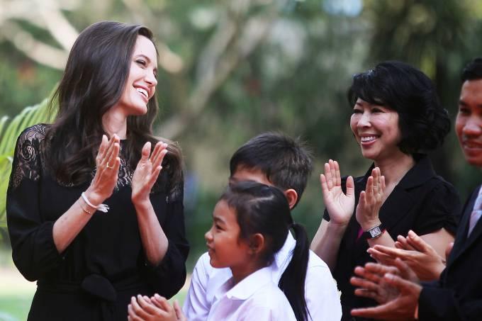 A atriz americana Angelina Jolie no Camboja – 18/02/2017