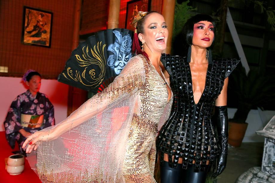 Ticiane Pinheiro e Sabrina Sato, no baile de Carnaval do Copacabana Palace, no Rio de Janeiro