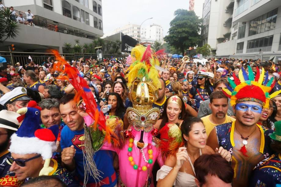 Bloco Banda de Ipanema homenageia Pixinguinha e arrasta multidão, no RIo