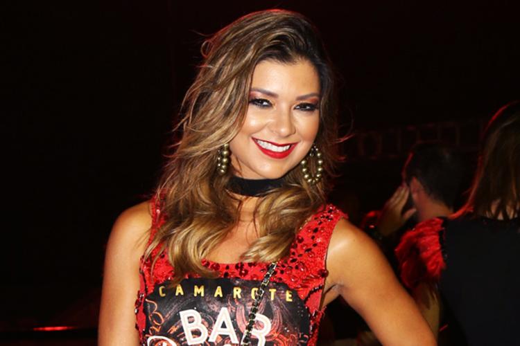A apresentadora Amanda Françozo no camarote do Sambódromo da Anhembi, em São Paulo (SP) - 26/02/2017