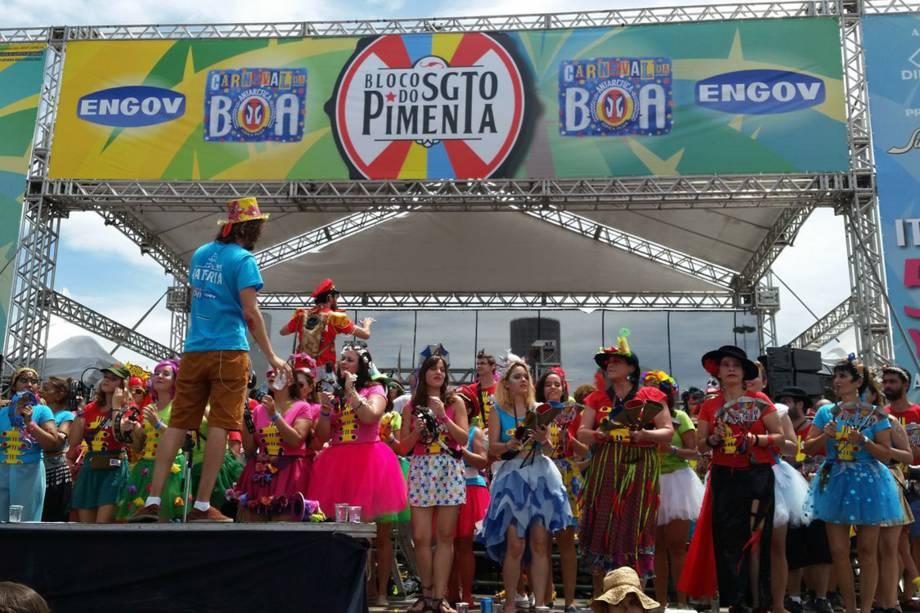 Bloco do Sargento Pimenta comemora 7º carnaval e 50 anos do álbum dos Beatles