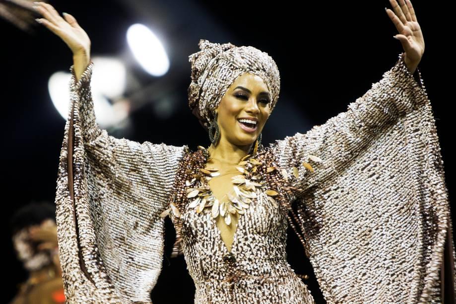 Raíssa Santana, atual Miss Brasil, desfila pela escola de samba Vai-Vai - 26/02/2017