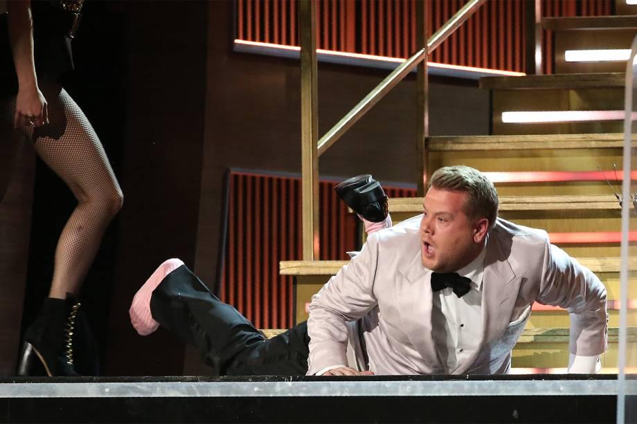 O apresentador James Corden durante a cerimônia da 59ª edição da maior premiação da música no Staples Center, em Los Angeles, nos Estados Unidos - 12/02/2017